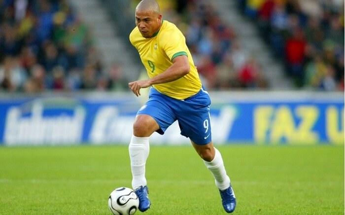 Ban-chan-vang-Ronaldo-de-Lima